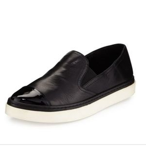 Andre Assous ■ (8) Danielle Leather Sneaker